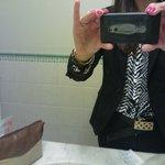pó no celular após coloca-lo na pia do banheiro
