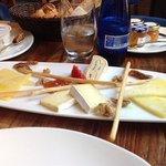 plateau de fromage au petit dejeuner