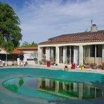 la maison et sa piscine