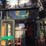 Da Esmat Restaurant