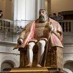 Статуя короля Васа на 2 этажа