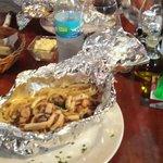 Cartoccio di linguine ai frutti di mare, polpo, gamberi, calamari e olive....speciali!!!