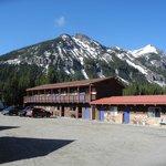 Vue sur le motel High Country à Cook City (Montana)
