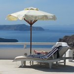 Relaxation with the most breathtaking view in Santorini