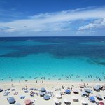 Beach when cruise ships in Nassau * packed until 5 pm
