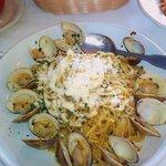 Linguini Vongole (clams) in white sauce