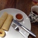 Pancake & jasmine green tea