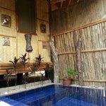 私家庭院的泡澡池