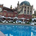 Stupendo hotel...5 stelle di lusso classe eleganza attenzione al dettaglio e cordialità.  Racch