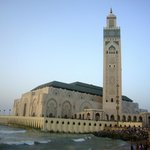 Mosquée Hassan II au coucher du soleil pendant ramadan