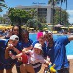 The amazing entertainment team. Javi,  Pinky, Carlos, Yadira & Nene. Fantastic, they put 110% ef