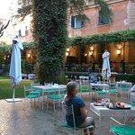 Jardin, où l'on peut prendre le petit déjeuner