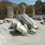 Развалины храма Аполлона в Сиде