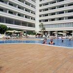 Swimmingpool.... Good hotel!!
