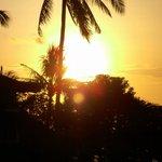 Sonnenuntergang vom Hotelzimmer aus gesehen.