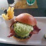 Beef Burger presso il Tides