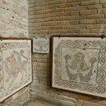 Остатки старой мозаики
