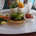 Ombrina con verdure al Tides
