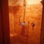 Shower 4307