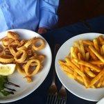 Frittura di calamari e patatine