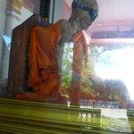 il corpo mummificato del monaco nella tecla