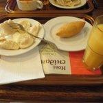 Варенички с картошкой, котлета по-киевски и любимый сок