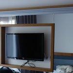 tv dans la chambre standard bungalow