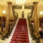 Hall y escalera de la entrada