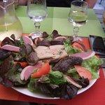 Salade avec pate de foie gras