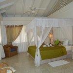 Warm Breezes apartment - ensuite bedroom