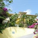 Exterior of Hibiscus Heights Villa housing Warm Breezes, Artist Studio & Corner View