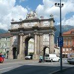Ook in Innsbruck is een Arc de Triomph te vinden.