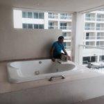 The hot tub on the balcony
