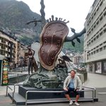 Próximo ao hotel - Obra de Dalí.