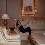 В холле отеля Эмирейтс Палас
