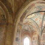 聖イジ―教会内のバロック様式のファザード