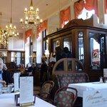 Интерьер кафе Моцарт в Вене