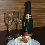 Sparkling wine and delicious Cake..