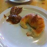 Medialuna + Dulce de Leche no café da manhã
