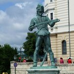 Statue at entry of Buda Castle