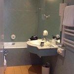 salle de bain chambre 606