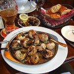 Escargot/olives/bread