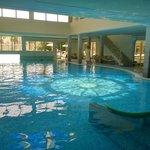 La piscina termale coperta