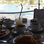 Frühstück direkt am Strand