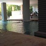 1st floor pool daytime