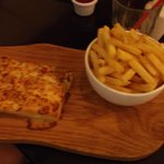 Child's Dinner Garlick Bread and Chips