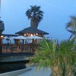 plage et bar de la plage à 300 mètres de l'hôtel