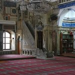Púlpito y biblioteca