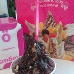 Bombazo de chocolate!!! La chica me ha puesto mucho de todo!!! Lo mejor para levantar el ánimo!!