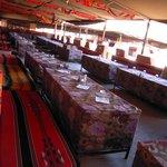 tiendas beduinas donde se dan los servicios de restauración